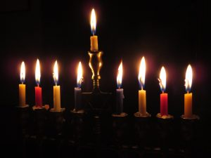 La candela dito medio